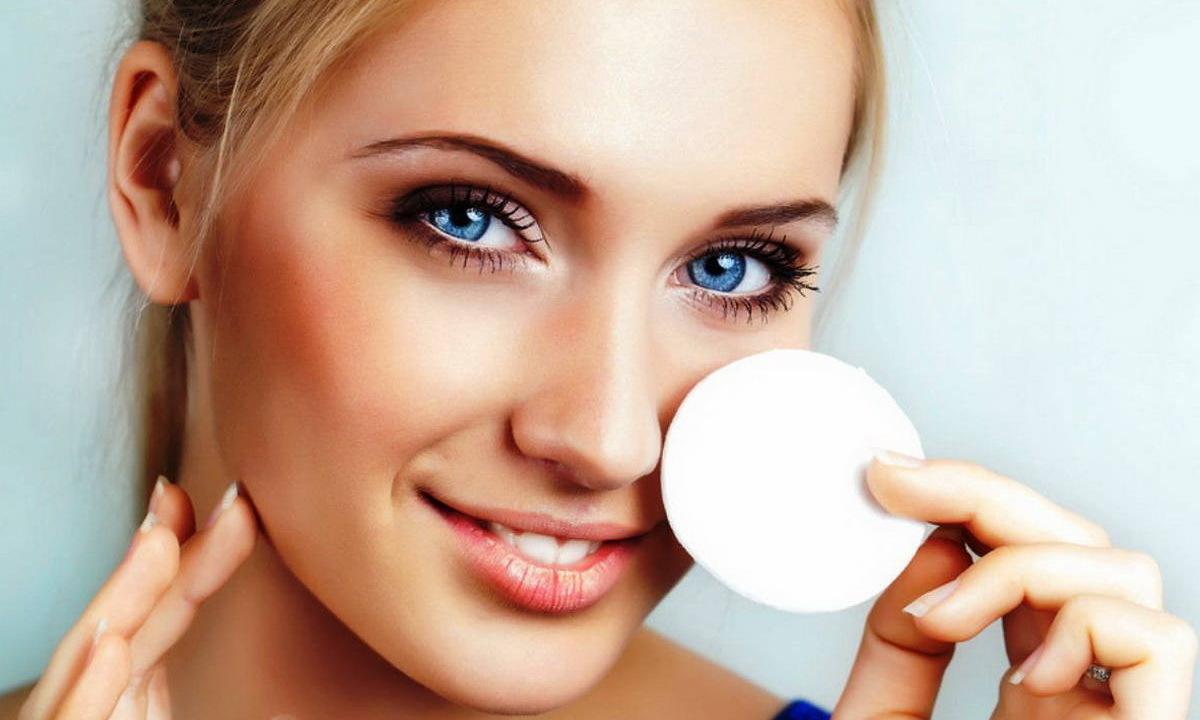 Как снимать макияж с лица